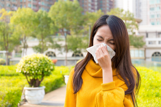 Are You Scared It's More Serious Than The Common Cold? Nine Signs That It Could Be